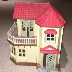 Little Critters Doll House
